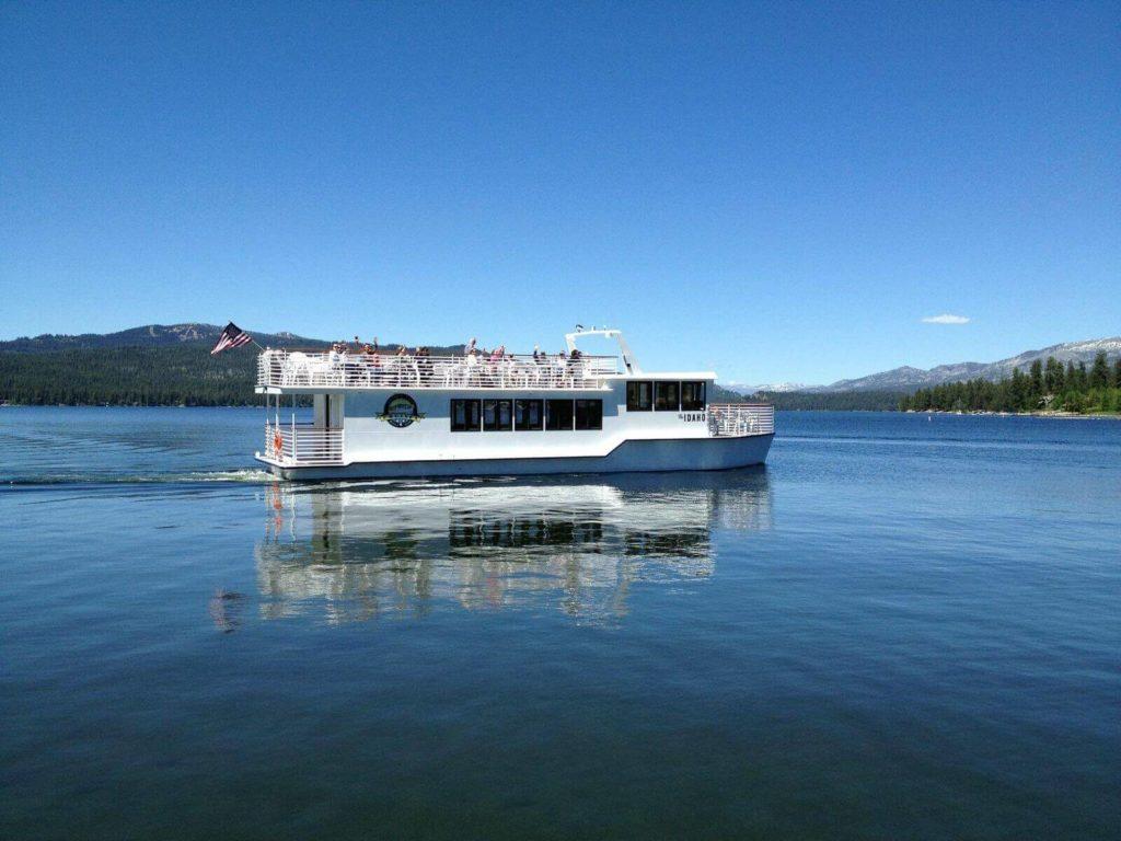 Cruise through Payette Lake